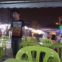 Photo taken at Downtown Sri Kembangan by Khairul Amir M. on 12/29/2017
