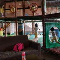 Photo taken at Jungle Gym Kiulap by Khairul Amir M. on 11/11/2017