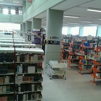 Photo taken at Biblioteca FES Acatlán by Victor P. on 10/16/2012