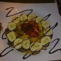 7/6/2013 tarihinde Umut M.ziyaretçi tarafından Hisarönü Cafe'de çekilen fotoğraf