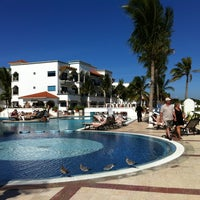 Photo taken at The Royal Resort by Roberto H. on 12/8/2012