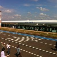 Photo taken at Aeroporto de Bauru - Arealva / Moussa Nakhl Tobias (JTC) by Waltemberg B. on 5/21/2013