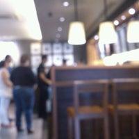 Photo taken at Starbucks Oficinas by Abel E. on 6/14/2013