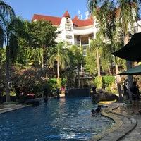Photo taken at Novotel Surabaya Hotel and Suites by wirawan w. on 6/29/2017