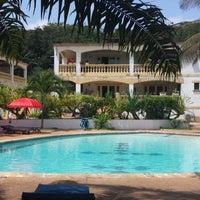 Photo taken at Jardin d'Ivoire - San Pedro by Gédéon A. on 10/24/2013