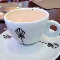Foto tirada no(a) Cafeteria Maranhão por Gabrielle F. em 12/7/2012