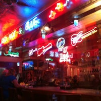 Photo taken at Red Hot & Blue  -  Barbecue, Burgers & Blues by Kimball A. on 11/3/2012