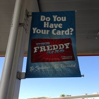 Photo taken at Fabulous Freddy's by Pocohantus on 8/6/2013