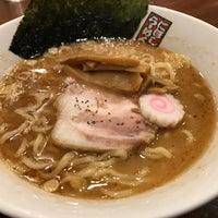 Photo taken at 煮干しらーめん 玉五郎 くずはモール店 by hasshiy on 11/25/2017