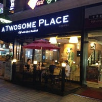 Photo taken at atwosomeplace 성남 by Yin P. on 7/29/2014