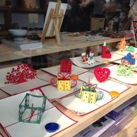 Photo taken at Bukchon Traditional Crafts Center by Jeosara J. on 2/17/2014