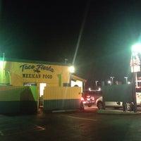 Foto scattata a Taco Fiesta da Ryan I. il 9/25/2013