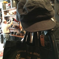 4/17/2016にTom M.がGoorin Bros. Hat Shop - West Villageで撮った写真