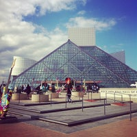 Photo taken at Rock & Roll Hall of Fame by Shamik C. on 10/21/2012