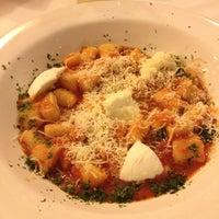 Foto tirada no(a) Pasta e Pallone por Caroline D. em 6/3/2013