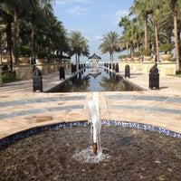 12/9/2012 tarihinde Veronica S.ziyaretçi tarafından One and Only Royal Mirage Resort'de çekilen fotoğraf
