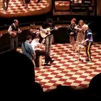 Foto tirada no(a) Phoenix Theatre por Will B. em 4/1/2013