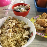 Photo taken at Bakmi Sido Laris by Mick on 10/30/2012