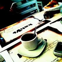 10/7/2012 tarihinde Aslıhan G.ziyaretçi tarafından Kahv6'de çekilen fotoğraf