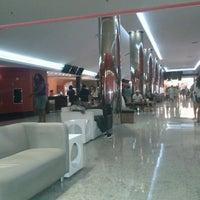 Foto tirada no(a) Cine Araújo por Frederico F. em 12/10/2012