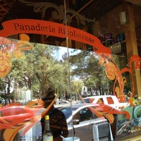 Foto tomada en Panaderia La Victoria por Abigail B. el 10/5/2012