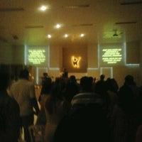 Photo taken at Comunidade Evangélica Verdadeiros Adoradores by Erich D. on 12/9/2012