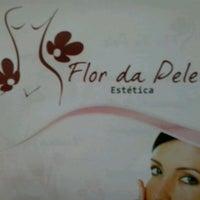 Photo taken at Estética Flor da Pele by Josiani V. on 5/16/2013