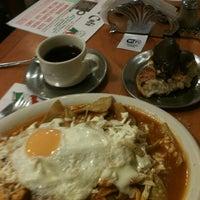 Foto tomada en Bertico Café por Sigfrido C. el 11/24/2012