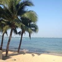 Снимок сделан в Pattaya Beach пользователем Poleene 🎀 1/17/2013