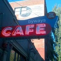 10/5/2012 tarihinde Stevie G.ziyaretçi tarafından Byways Cafe'de çekilen fotoğraf