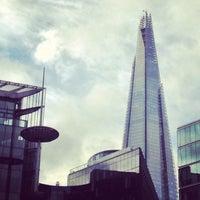 Das Foto wurde bei The Queen's Walk von Tobias K. am 11/29/2012 aufgenommen