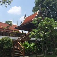 Photo taken at Baan Thai House Homestay by Reini on 5/2/2016
