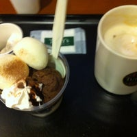 Photo taken at Tully's Coffee by Mika, K 女. on 11/15/2012