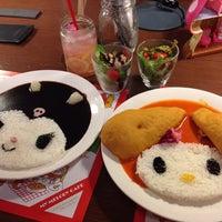 8/14/2014에 domiso님이 ハローキティカフェ / THE GUEST cafe&diner에서 찍은 사진