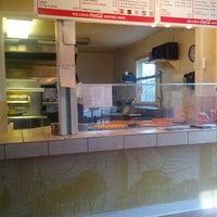 Foto diambil di Johnny's Pizzeria oleh Erich B. pada 11/27/2013