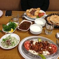 5/14/2013 tarihinde Zarif A.ziyaretçi tarafından Çulcuoğlu Restaurant'de çekilen fotoğraf