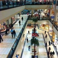 Foto tomada en Mall Florida Center por Louis C. el 10/12/2012