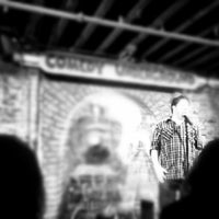 Photo prise au Comedy Underground par Michelle K. le11/18/2012