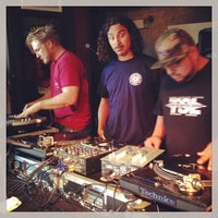 Photo taken at Stompin' Grounds Coffee & Cocktail Lounge by Dub A. on 7/19/2014