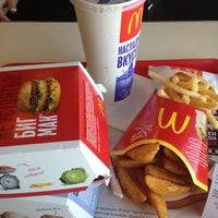 Photo taken at McDonald's by Яна С. on 12/6/2012
