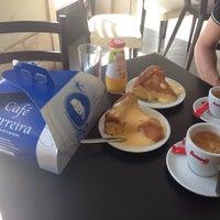 Photo taken at Café Ferreira - Fábrica de Pão de Ló by Chechu L. on 8/17/2014