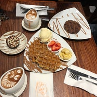 Photo taken at Max Brenner Chocolate Bar by Geoia G. on 6/11/2017