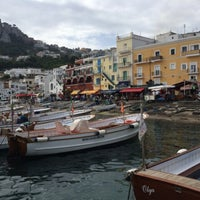 Foto scattata a Porto Turistico di Capri da Junichi N. il 5/24/2014
