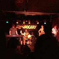Photo prise au Arlene's Grocery par Emily P. le7/17/2013