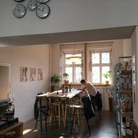 Photo taken at K. LIEBLINGs Café / Coffee Profilers by Ievgeniia G. on 11/4/2017