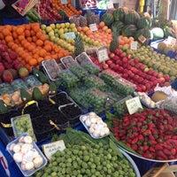 รูปภาพถ่ายที่ Esat Supermarket โดย Z.Yucesoy💫 เมื่อ 4/23/2013