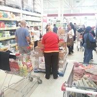 Foto tomada en Macro Mercado por Maxi A. el 3/2/2013