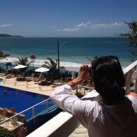 Foto tirada no(a) Pousada Vila do Coral por Carlos L. em 10/27/2013
