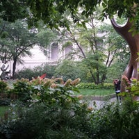 Photo taken at Sculpture Garden - Art Institute of Chicago by Mabel G. on 7/31/2013