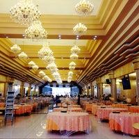 Photo taken at Oriental Hotel by Spicytee on 8/31/2014